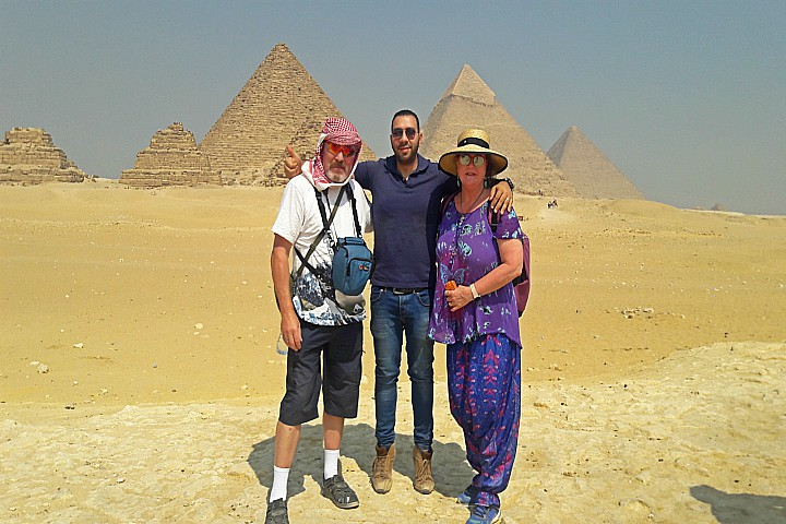 Cairo Day Trip to Giza Pyramids and Dahshur Pyramids