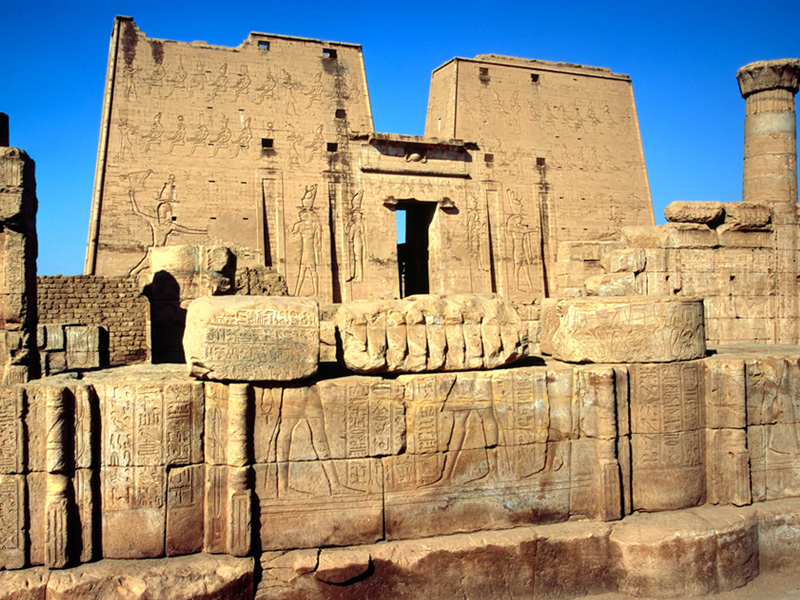 8 Days Pyramids and the Nile Budget Tour Packageز