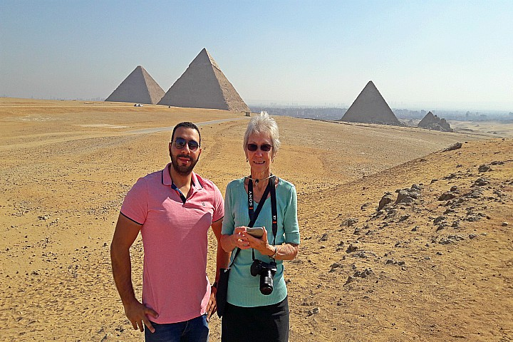 Cairo Day Tour to Giza Pyramids, Memphis and Meidum