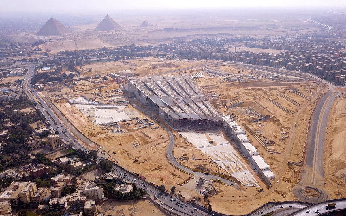 Grand Egyptian Museum and Pyramids Tour from Cairo Airport