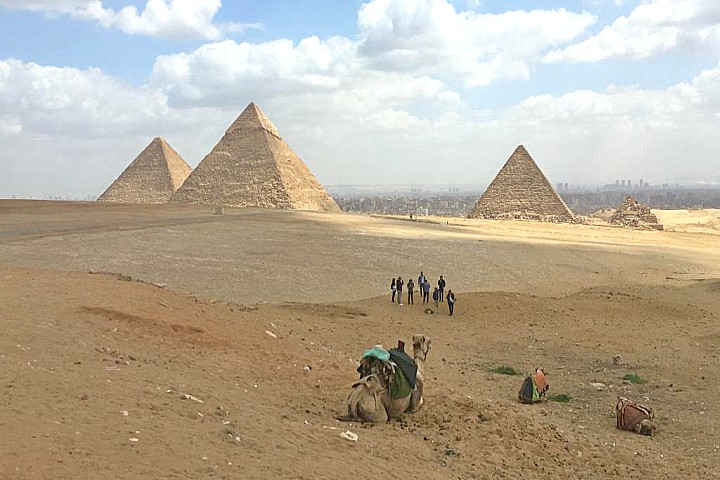 Pyramids and Xmas Nile Cruise by Train | Egypt Christmas Holidays