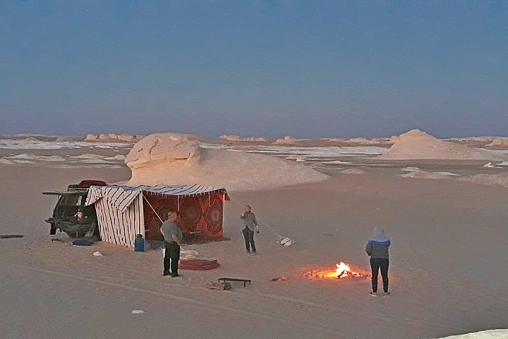 The White Desert and Bahariya Oasis Overnight from Cairo